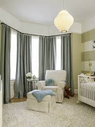 Jms home Staging Bay window example of longer curtain